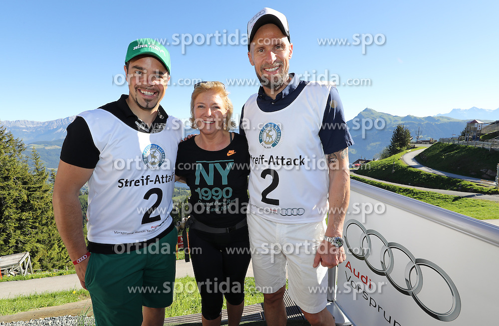 23.06.2016, Hahnenkamm, Kitzbuehel, AUT, Golf, Streif Attack 2016, im Bild Peter Fill, Hanni Wenzel, Marco Buechel // Peter Fill, Hanni Wenzel, Marco Buechel during Streif Attack 2016 as a side event of Kitzbuhel Golf week at the Hahnenkamm in Kitzbuehel, Austria on 2016/06/23. EXPA Pictures © 2016, PhotoCredit: EXPA/ SM<br /> <br /> *****ATTENTION - OUT of GER*****