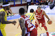 DESCRIZIONE : Porto San Giorgio Lega serie A 2013/14  Sutor Montegranaro Varese<br /> GIOCATORE : Keydren Clark<br /> CATEGORIA : palleggio composizione<br /> SQUADRA : Pallacanestro Varese<br /> EVENTO : Campionato Lega Serie A 2013-2014<br /> GARA : Sutor Montegranaro Pallacanestro Varese<br /> DATA : 23/11/2013<br /> SPORT : Pallacanestro<br /> AUTORE : Agenzia Ciamillo-Castoria/M.Greco<br /> Galleria : Lega Seria A 2013-2014<br /> Fotonotizia : Porto San Giorgio  Lega serie A 2013/14 Sutor Montegranaro Varese<br /> Predefinita :