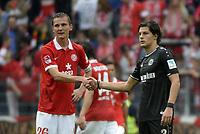 Fotball<br /> Tyskland<br /> 31.08.2014<br /> Foto: Witters/Digitalsport<br /> NORWAY ONLY<br /> <br /> v.l. Niko Bungert (Mainz), Miiko Albornoz <br /> Fussball Bundesliga, FSV Mainz 05 - Hannover 96