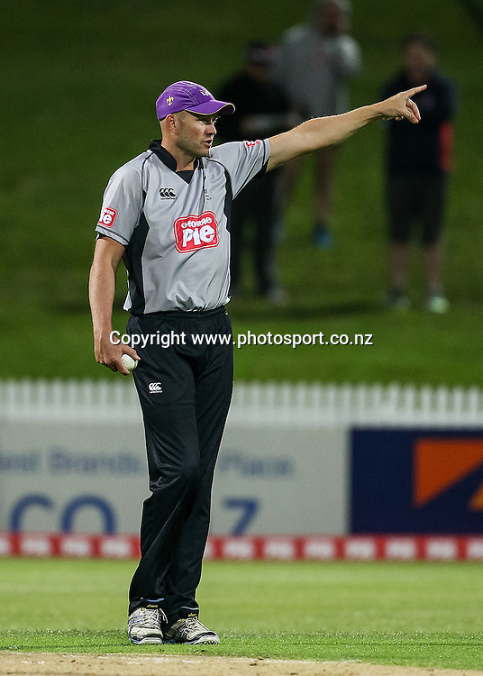 South Island captain Peter Fulton during the Island of Origin T20 cricket game - North v South, 31 October 2014 played at Seddon Park, Hamilton, New Zealand on Friday 31 October 2014.  Photo: Bruce Lim / www.photosport.co.nz