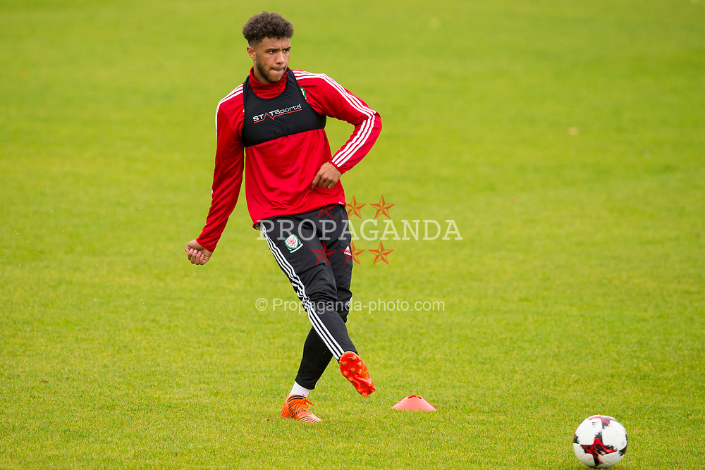 BANGOR, WALES - Tuesday, November 7, 2017: Wales' Tyler Roberts during a training session at VSM Bangor City Stadium ahead of the UEFA Under-21 European Championship Qualifying Group 8 match against Bosnia and Herzegovina. (Pic by Paul Greenwood/Propaganda)