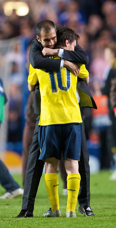 LONDON, ENGLAND - Wednesday, May 6, 2009: Barcelona's Pep Guardiola celebrates with Lionel Messi after his side's dramatic injury time winning away goal victory over Chelsea during the UEFA Champions League Semi-Final 2nd Leg match at Stamford Bridge. (Photo by David Rawcliffe/Propaganda)