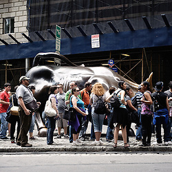 A bull whose balls give you luck... Wandering  around the Financial District with the  Wall Street's Soundwalk (by John Solitto) on my ears. 2009, June 12th. Photo: Antoine Doyen