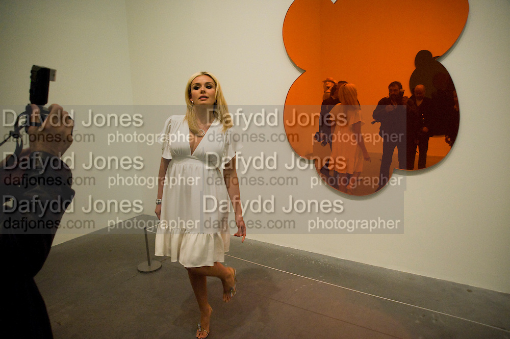 KATHERINE JENKINS, The Presentation of the Montblanc de la Culture Arts Patronage Award to Anthony D'Offay. Tate Modern. 16 April 2009 *** Local Caption *** -DO NOT ARCHIVE-© Copyright Photograph by Dafydd Jones. 248 Clapham Rd. London SW9 0PZ. Tel 0207 820 0771. www.dafjones.com.<br /> KATHERINE JENKINS, The Presentation of the Montblanc de la Culture Arts Patronage Award to Anthony D'Offay. Tate Modern. 16 April 2009