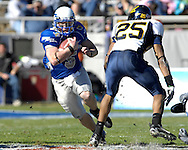 December 31, 2007 - Fort Worth, TX...Quarterback Shaun Carney #5 of the Air Force Falcons rushes up field in the first quarter against the California Golden Bears, during the Bell Helicopter Armed Forces Bowl at Amon G. Carter Stadium in Fort Worth, Texas on December 31, 2007...The Golden Bears defeated the Falcons 42-36.  .Peter G. Aiken/CSM
