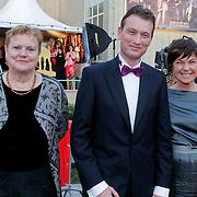NLD/Utrecht/20110930 - NFF 2011 - Inloop Gouden Kalveren 2011, jetje van Nieuwenhoven, Halbe Zijlstra en partner