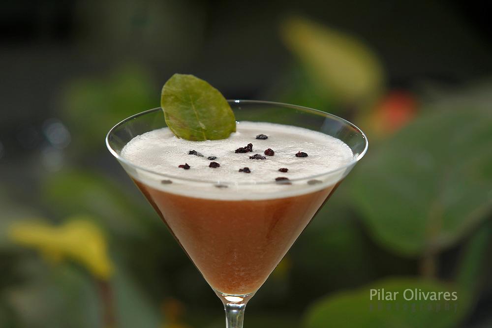 Cocktail de hoja de coca. (Photo Pilar Olivares)......