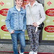 NLD/Amsterdam/20190414 - Premiere 't Schaep met de 5 Pooten, Bianca Krijgsman met haar zoon Bobby van Vleuten