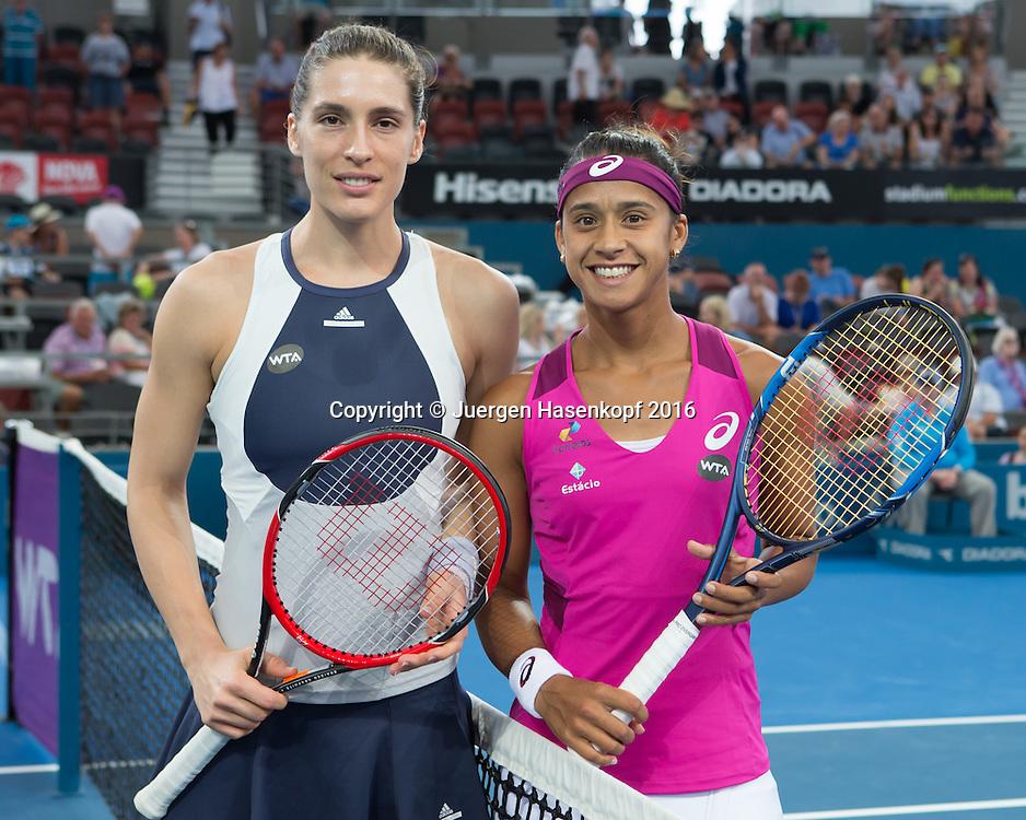 Andrea Petkovic (GER) und Teliana Pereira (BRA) am Netz vor Spilebeginn,<br /> <br /> Tennis - Brisbane International  2016 - WTA -  Queensland Tennis Centre - Brisbane - QLD - Australia  - 3 February 2016. <br /> &copy; Juergen Hasenkopf