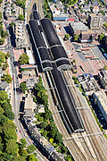 Nederland, Noord-Holland, Haarlem, 01-08-2016; Station Haarlem en omgeving, Stationsplein met busstation.<br /> <br /> luchtfoto (toeslag op standard tarieven);<br /> aerial photo (additional fee required);<br /> copyright foto/photo Siebe Swart