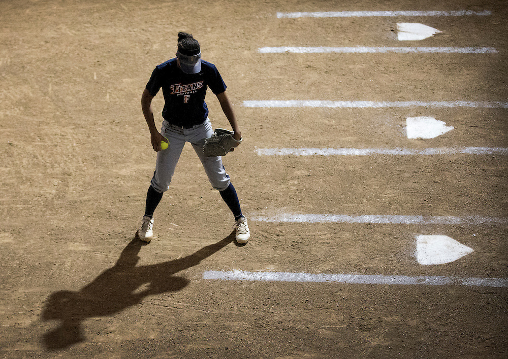 Player of the Fullerton college women's softball team in softball match at Fullerton College in Fullerton, Calif., on Friday November 4, 2016. (© Ella DeGea / Sports Shooter Academy 2016)