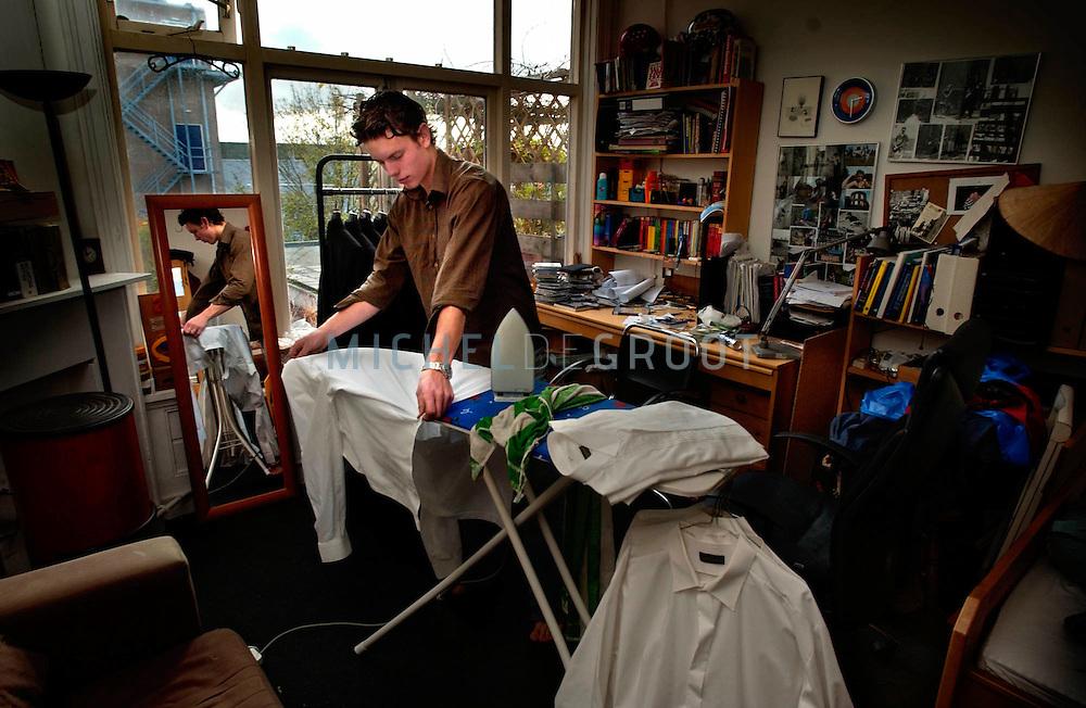GRONINGEN, Netherlands - 7-11-2004: Gijs XXX en Menno Buikema van pakkenverhuurbedrijf Casanova.