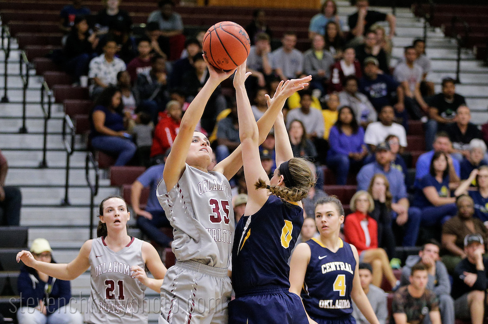 November 15, 2016: The University of Central Oklahoma Bronchos play against the Oklahoma Christian University Lady Eagles in the Eagles Nest on the campus of Oklahoma Christian University.