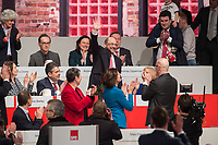 19 MAR 2017, BERLIN/GERMANY:<br /> Martin Schulz (M), SPD Parteivorsitzender, nach seinr Wahl zum Spitzenkandidat der Bundestagswahl, a.o. Bundesparteitag, Arena Berlin<br /> IMAGE: 20170319-01-095<br /> KEYWORDS: party congress, social democratic party, candidate, applaus, applause, klatschen, Jubel