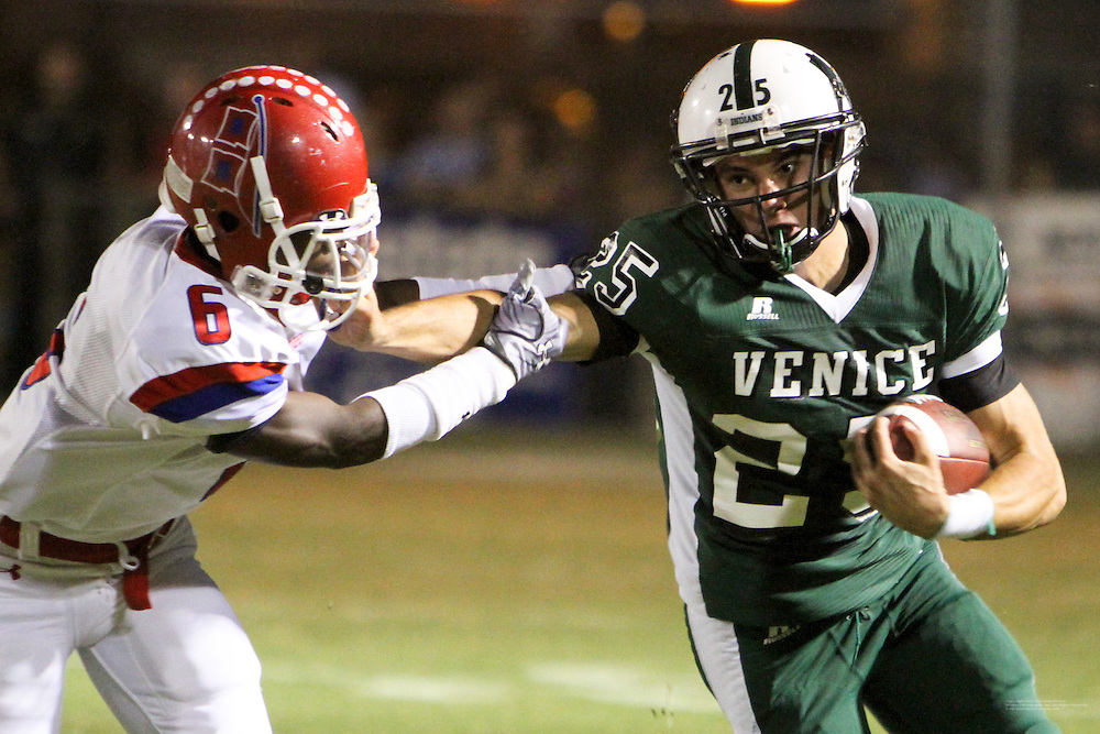 The Manatee High football team won the Class 5A-District 10 title, unseating three-time district champion Venice, 24-7, Friday night at Powell-Davis Stadium...Manatee 24 Venice 7