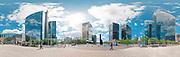 Bruxelles, comme vous ne l'avez jamais vue ! - A travers ses monuments les plus connus, ou les plus imposants, Bruxelles 360° transforme notre vision habituelle de la capitale de l'Europe. Depuis l'Atomium jusqu'a la Grand-place, en passant par le parlement, le Berlaymont ou la tour japonaise. Ces cartes postales nous offrent une vision inedite de Bruxelles. Brussel zoals u het nog nooit zag! - Op verkenning naar haar bekendste of indrukwekkendste monumenten vervormt Brussel 360° het dagelijks beeld van de hoofstad van Europa. Vanaf het Atomium tot aan de Grote Markt, langs het parlement en het Berlaymont of de Japanse toren.  Credit Paul Marnef / ISOPIX