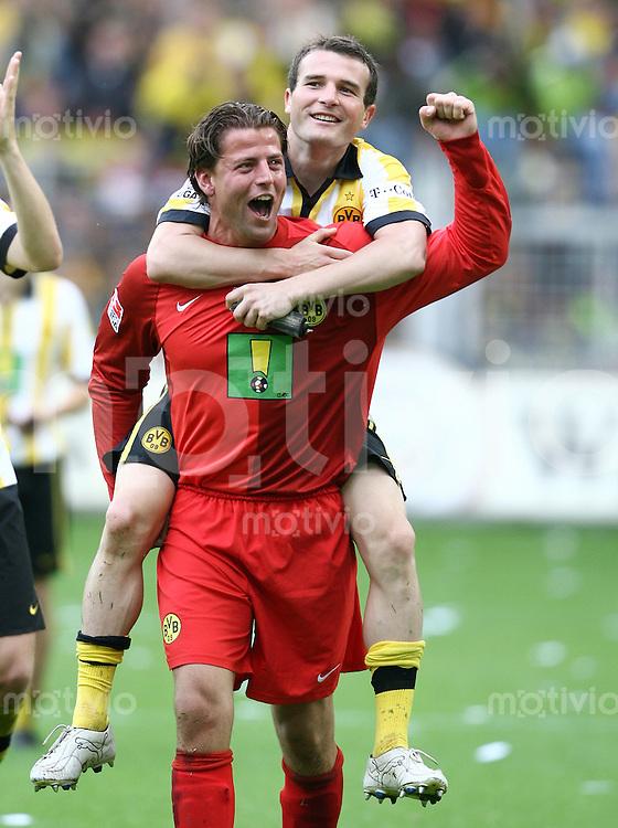 Fussball   1. Bundesliga   Saison 2006/2007   33. Spieltag Borussia Dortmund - FC Schalke 04             Dortmunder Jubel nach dem Abpfiff: Torwart Roman WEIDENFELLER und 1:0 Torschuetze Alexander FREI jubeln nach dem Abpfiff