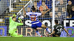 READING, ENGLAND - Tuesday, September 22, 2015: Reading's Nick Blackman scores the first goal against Everton during the Football League Cup 3rd Round match at the Madejski Stadium. (Pic by David Rawcliffe/Propaganda)