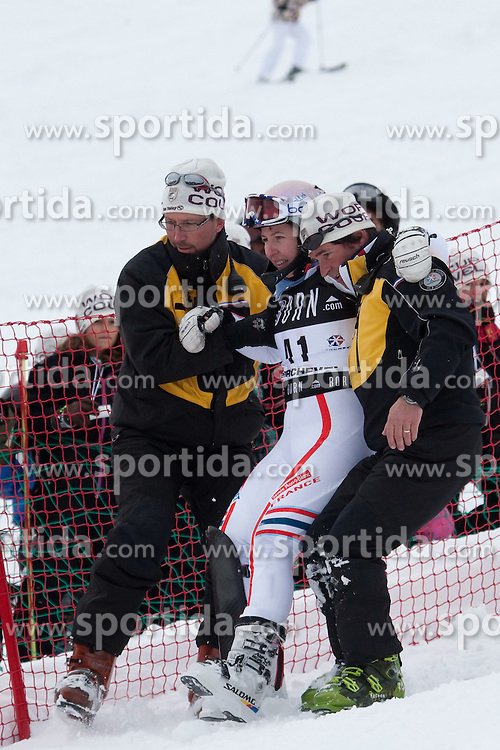 21.12.2010, Stade Emile Allais, Courchevel, FRA, FIS World Cup Ski Alpin, Ladies, Slalom, im Bild Claire Dautherives (FRA) is helped by course medics after crashing in the FIS Alpine skiing World Cup ladies slalom race in Courchevel 1850, France. EXPA Pictures © 2010, PhotoCredit: EXPA/ M. Gunn