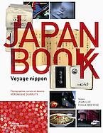 couverture livre &quot;Japan Book&quot; <br /> Photographies de V&eacute;ronique Durruty<br /> <br /> Editions de la Martini&egrave;re<br /> en vente dans toutes les bonnes librairies et sur les sites de vente en ligne.<br /> <br /> 22 cm x 28 cm<br /> couverture rigide<br /> 234 pages<br /> 38 euros