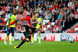 Lewis Grabban of Sunderland scores the equalising goal to make it 1-1  - Mandatory by-line: Matt McNulty/JMP - 04/08/2017 - FOOTBALL - Stadium of Light - Sunderland, England - Sunderland v Derby County - Sky Bet Championship