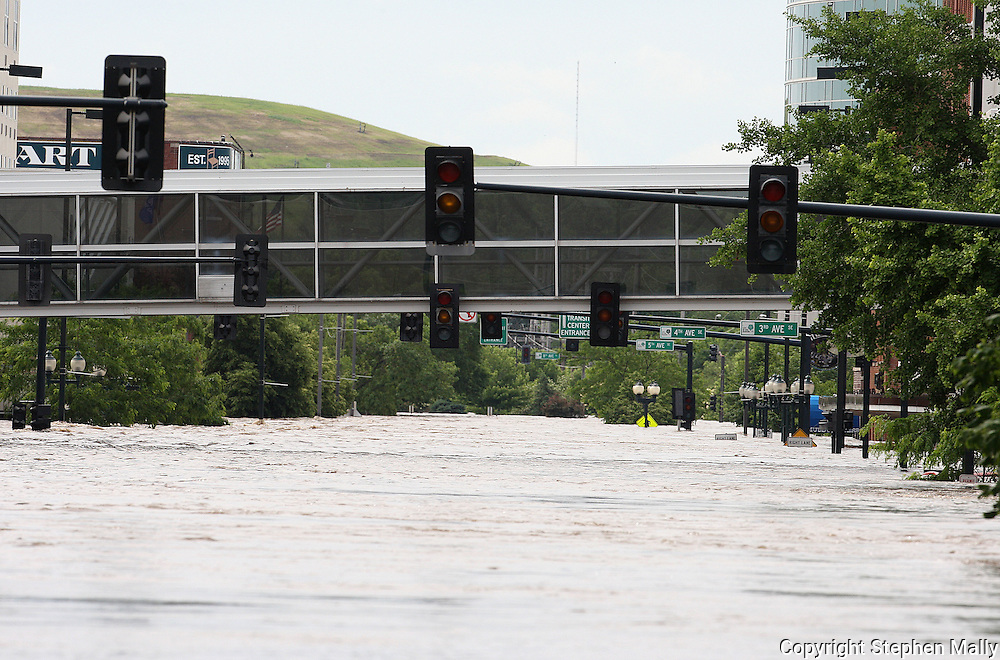 Massive flooding has covered the Midwest section of the United States. In Cedar Rapids, Iowa over 400 blocks were underwater. Other towns are now bracing for the water as it continues downstream.///A look down First Street in downtown Cedar Rapids, Iowa..