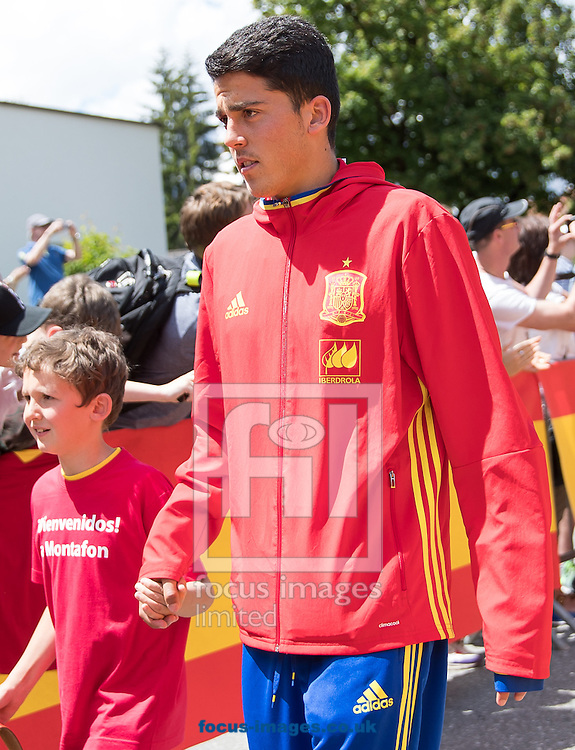 Pablo Fornals of Spain arrives at Lowen Hotel, Schruns, Austria.<br /> Picture by EXPA Pictures/Focus Images Ltd 07814482222<br /> 26/05/2016<br /> ***UK &amp; IRELAND ONLY***<br /> EXPA-GRO-160526-5014.jpg