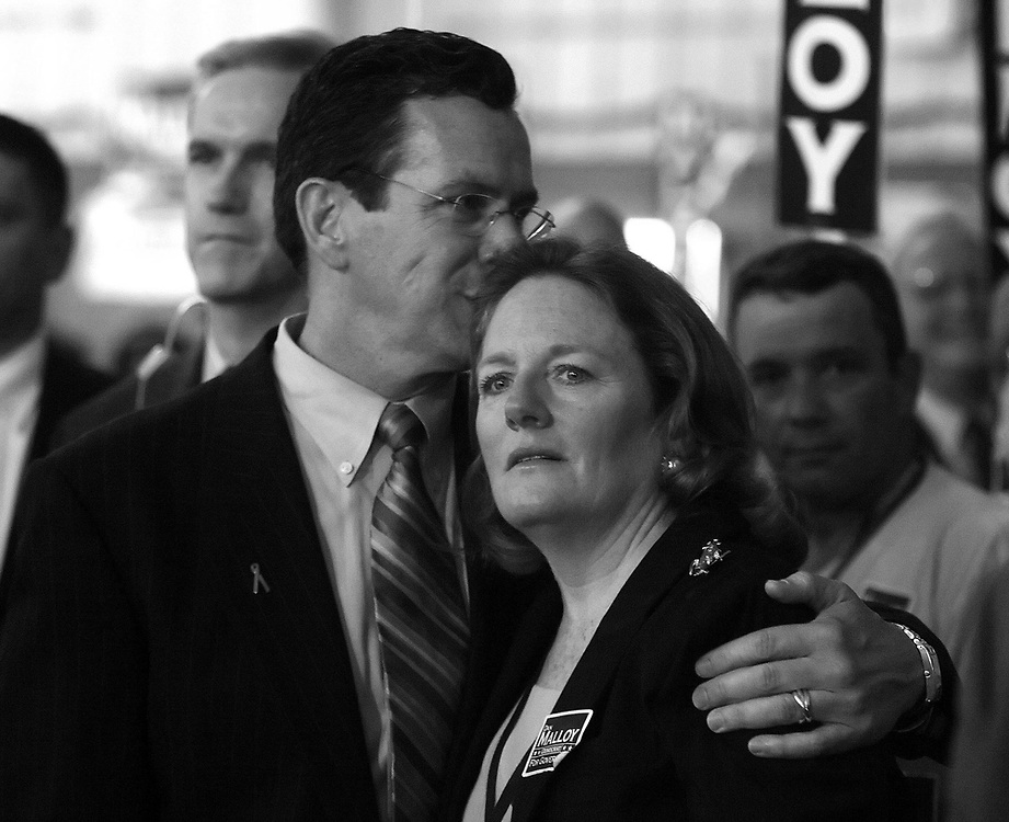 Stamford Mayor Dan Malloy kisses his wife, Cathy, as they watched to roll call vote at the state Democratic State Convention in Hartford, Conn., Saturday, May 20, 2006. Malloy won the Democratic gubernatorial nomination at tthe Democratic State Convention by four votes over New Haven Mayor John DeStefano.  (AP Photo/Jessica Hill)
