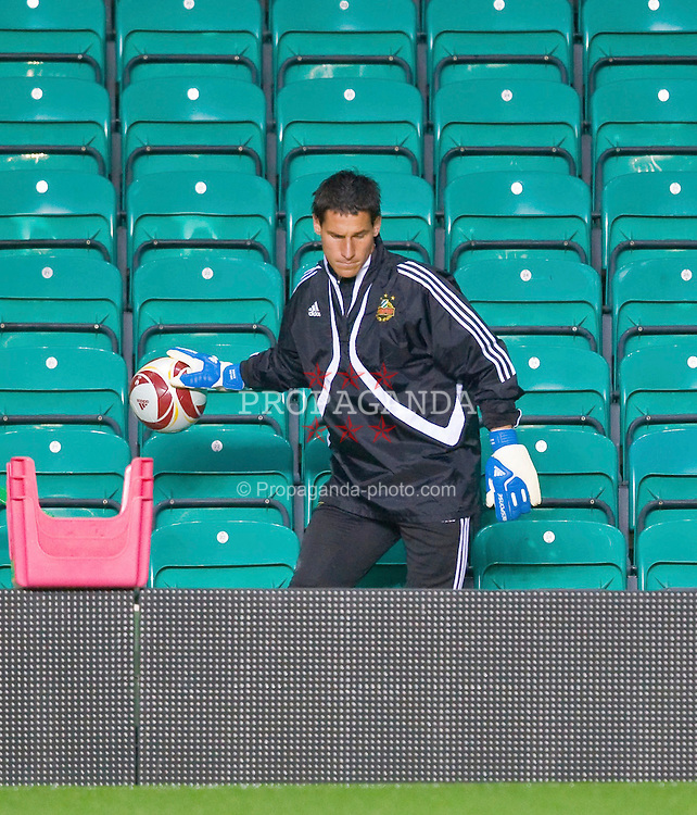 GLASGOW, SCOTLAND - Wednesday, September 30, 2009: SK Rapid Vienna's goalkeeper Helge Payer during training ahead of his side's UEFA Europa League Group C match against Glasgow Celtic. (Pic by Juergen Feichter/Expa/Propaganda)