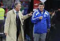 Die beiden Trainer Ottmar Hitzfeld (SUI) und Otto Rehagel (GRE) kommen ins Stadion. © Melanie Duchene/EQ Images