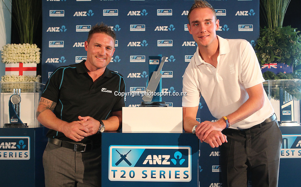 England captain Stuart Broad, right with NZ captain Brendon MCCullum  at the ANZ International Cricket Series Launch at Bellini, Hilton Hotel Auckland, 7 February 2013