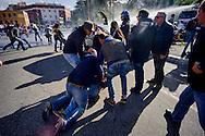 Roma 16 Ottobre 2015<br /> Un centinaio di studenti ha protestato in piazzale Aldo Moro, di fronte all'Università La Sapienza, la sede del  Maker Faire 2015, la fiera dell'innovazione europea organizzata all'interno dell'universita. I manifestanti denunciano l'uso privatistico di una struttura pubblica, l'interruzione delle attività di ricerca e la non trasparenza sull'uso dei ricavi. Un manifestante arrestato da polizia in borghese.<br /> Rome 16 October 2015<br /> A hundred students protested in Piazzale Aldo Moro, opposite the University La Sapienza, the headquarters of the Maker Faire 2015, the European innovation fair organized within the university. Protesters denounce the  private use of a public facility, the interruption of research and lack of transparency on the use of revenues.One protester arrested by plainclothes police.
