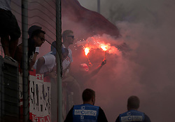 09.08.2015, Stadion Essen, Essen, GER, DFB Pokal, Rot Weiss Essen vs Fortuna Duesseldorf, 1. Runde, im Bild Fans von Fortuna Duesseldorf mit bengalischem Feuer // during German DFB Pokal first round match between Rot Weiss Essen and Fortuna Duesseldorf at the Stadion Essen in Essen, Germany on 2015/08/09. EXPA Pictures © 2015, PhotoCredit: EXPA/ Eibner-Pressefoto/ Hommes<br /> <br /> *****ATTENTION - OUT of GER*****