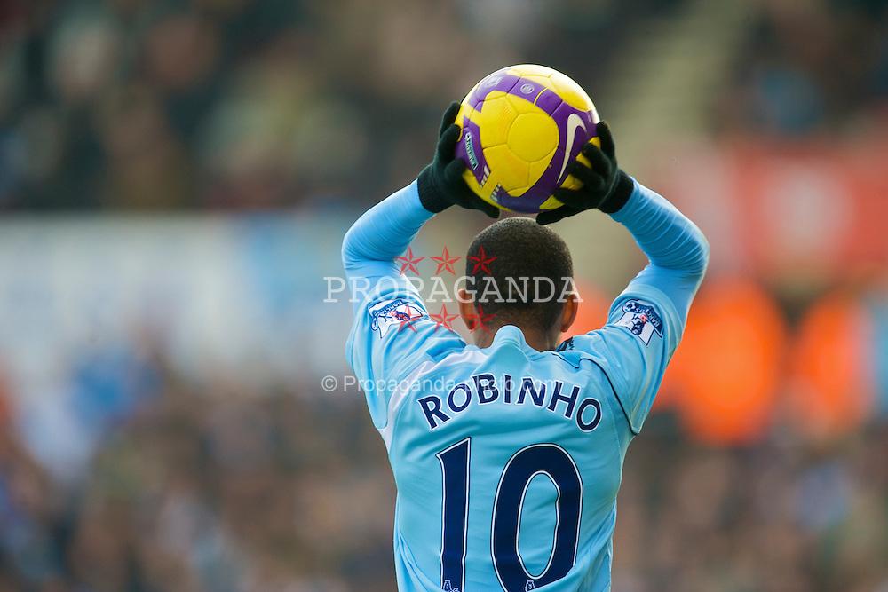 STOKE-ON-TRENT, ENGLAND - Saturday, January 31, 2009: Manchester City's Robinho in action against Stoke City during the Premiership match at the Britannia Stadium. (Mandatory credit: David Rawcliffe/Propaganda)