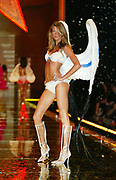NEW YORK - NOVEMBER 14: Gisele Bundchen walks the runway at the Victoria Secret Fashion Show athte Lexington Avenue Armory. November 14, 2002 in New York City. .  (Photo by Matthew Peyton)