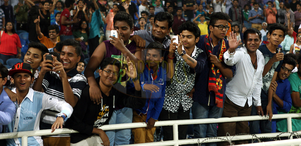 Fan's enjoy's during match 22 of the Hero Indian Super League between Mumbai City FC and Delhi Dynamos FC City held at the D.Y. Patil Stadium, Navi Mumbai, India on the 5th November.<br /> <br /> Photo by:  Sandeep Shetty/ ISL/ SPORTZPICS