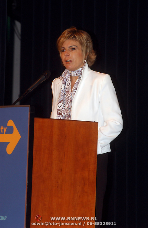 NLD/Zeist/20050614 - Prinses Laurentien opent Civil Society congres
