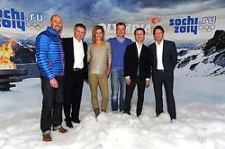 10.12.2013, Olympiahalle, Muenchen, GER, ARD und ZDF Olympia in Sochi, im Bild vl : Marco Buechel (ZDF TV Experte),Norbert Koenig (ZDF Moderator), Katrin Mueller-Hohenstein (ZDF Moderatorin), Sven Fischer (ZDF TV Experte), Alexander Ruda (ZDF Moderator), Rudi Cerne (ZDF Moderator) bei der ARD/ZDF Olympia-PressekonferenzARD, ZDF werden, enger Zusammenarbeit von den XXII Olympischen Winterspielen vom 7 2 -23 2 2014, Sotschi mit einem vielfaeltigen Live-Angebot berichten. EXPA Pictures © 2013, PhotoCredit: EXPA/ Eibner-Pressefoto/ Stuetzle<br /> <br /> *****ATTENTION - OUT of GER*****