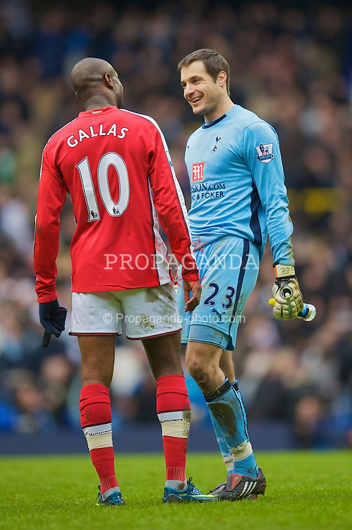 LONDON, ENGLAND - Sunday, February 8, 2009: Former Chelsea playersTottenham Hotspur's goalkeeper Carlo Cudicini and Arsenal's William Gallas during the Premiership match at White Hart Lane. (Mandatory credit: David Rawcliffe/Propaganda)
