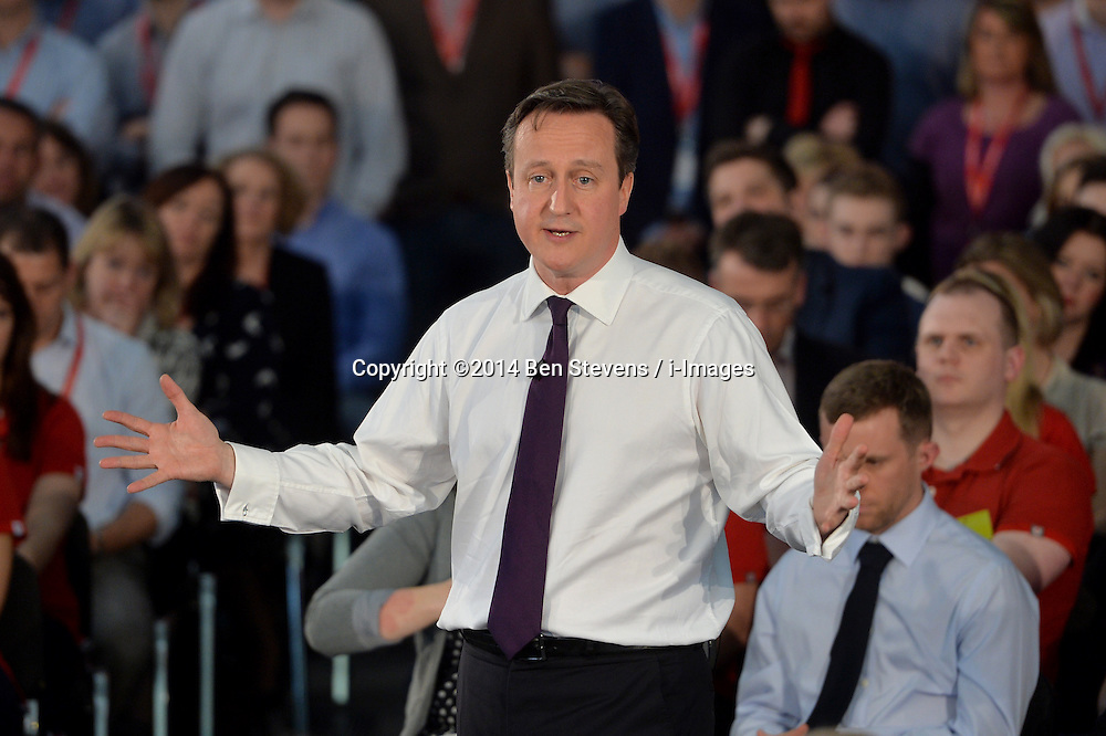 David Cameron visits the Vodafone headquarters in Newbury.<br /> Day 2 of Prime Minister David Cameron's regional tour. <br /> Thursday, 3rd April 2014. Picture by Ben Stevens / i-Images