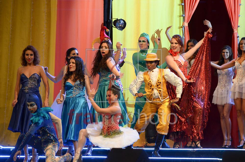 Rio de Janeiro (RJ), 30/08/2014 - Acontece na noite deste sábado (30) na cidade do samba o concurso Miss Universo Rio de Janeiro 2014, entre 18 candidatas que foram selecionadas para a grande final que elege a mulher mais bonita da cidade maravilhosa, desfilando em traje de gala e de banho. Foto: ADRIANO ISHIBASHI/FRAME