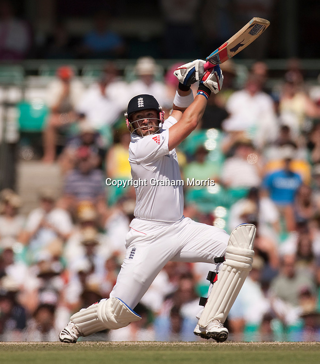 Matt Prior heads towards his century during the fifth and final Ashes test match between Australia and England at the SCG in Sydney, Australia. Photo: Graham Morris (Tel: +44(0)20 8969 4192 Email: sales@cricketpix.com) 06/01/11