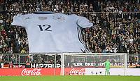 FUSSBALL INTERNATIONAL TESTSPIEL in Muenchen in der Allianz Arena Deutschland - Italien    29.03.2016  Adidas Fantrikot auf der Tribuene in der Allianzarena