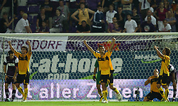 26.08.2010, Horr Stadion, Wien, AUT, UEFA EL, FK Austria Wien vs Aris Thessaloniki FC, im Bild Jubel von Aris nach dem Sieg,  EXPA Pictures © 2010, PhotoCredit: EXPA/ T. Haumer