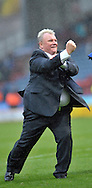 Steve Evans manager of Leeds United celebrates his teams win with the fans during the Sky Bet Championship match at the John Smiths Stadium, Huddersfield<br /> Picture by Graham Crowther/Focus Images Ltd +44 7763 140036<br /> 07/11/2015