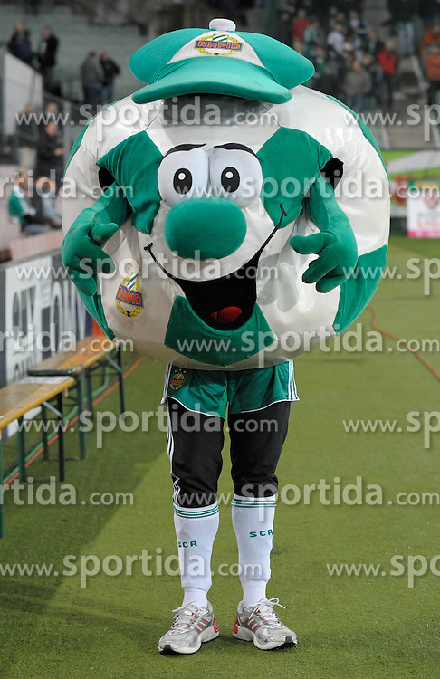 13.04.2010, Hanappi Stadion, AUT, 1. FBL, SK Rapid Wien vs Lask Linz, im Bild das Rapid Maskottchen, Feature, EXPA Pictures © 2010, PhotoCredit: EXPA / G. Holoubek / SPORTIDA PHOTO AGENCY