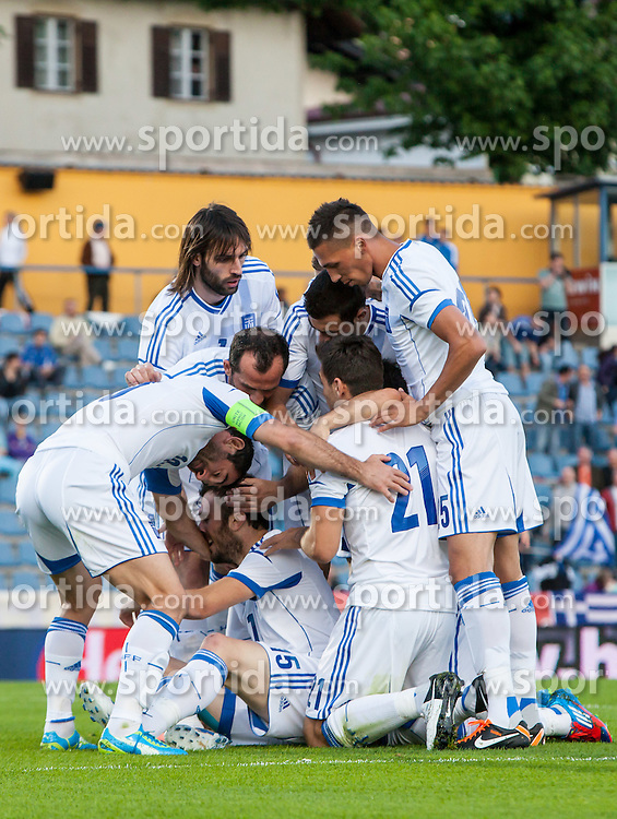 26.05.2012, Kufstein Arena, Kufstein, AUT, SLFC Summerleague, Griechenland vs Slowenien, im Bild Torjubel Greichenland nach dem 1 zu 0 durch Vassilios Torosidis, (GRE,# 15) // Celebration after the opening Goal from Vassilios Torosidis, (GRE,# 15) during friendly Football Match between the Nationateams of Greece and Slovenia at the Kufstein Arena, Kufstein, Austria on 2012/05/26. EXPA Pictures © 2012, PhotoCredit: EXPA/ Juergen Feichter