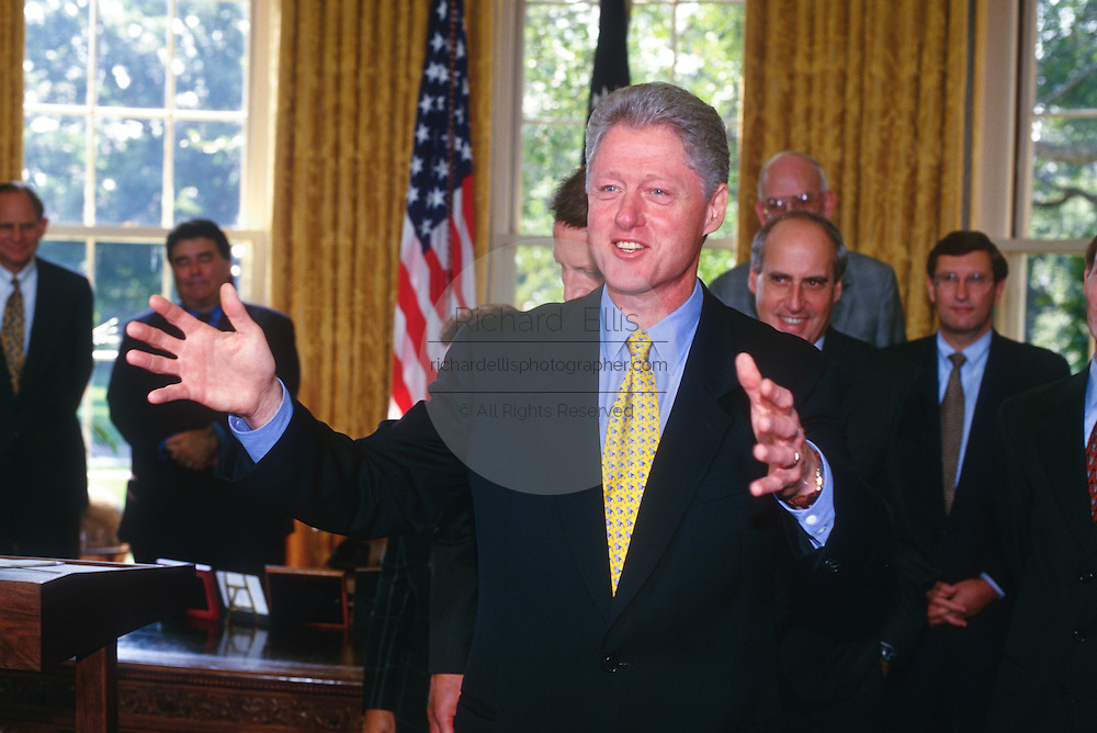 WASHINGTON, DC - September 17:  President Bill Clinton makes a statement at the Oval Office in the White House in Washington, DC. September 17, 1997  (Photo RIchard Ellis)