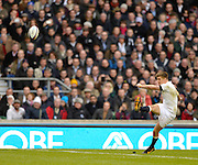 Twickenham, United Kingdom, England's, Owen FARRELL kicking during the 2013 QBE  Autumn Rugby International, England vs New Zealand, played  Saturday  16/11/2013 at the RFU Stadium Twickenham, England. [Mandatory Credit: Peter Spurrier/Intersport<br /> Images}