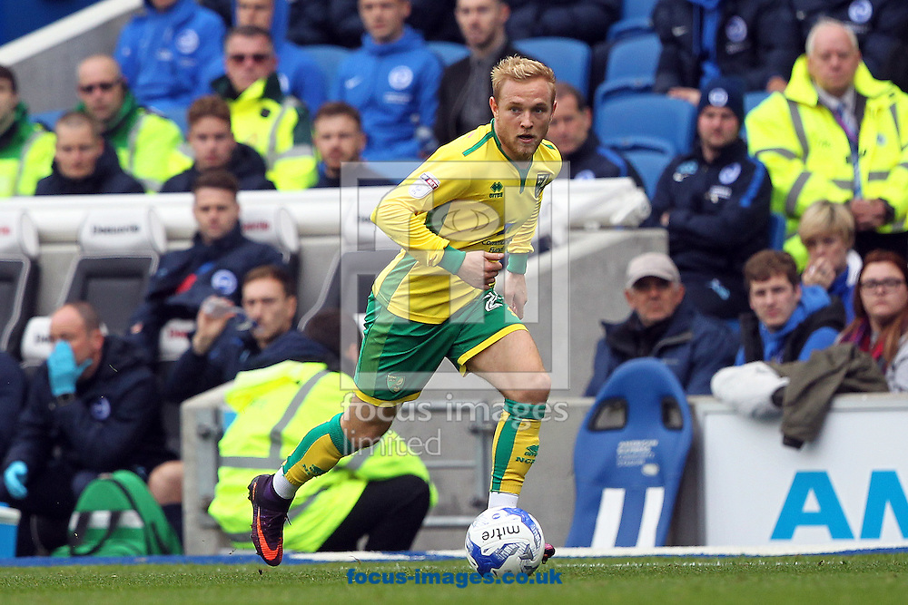 Alex Pritchard of Norwich in action during the Sky Bet Championship match at the American Express Community Stadium, Brighton and Hove<br /> Picture by Paul Chesterton/Focus Images Ltd +44 7904 640267<br /> 29/10/2016